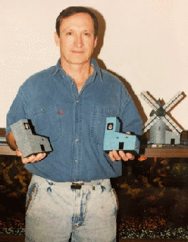 inventor-with-early-models-2.jpg